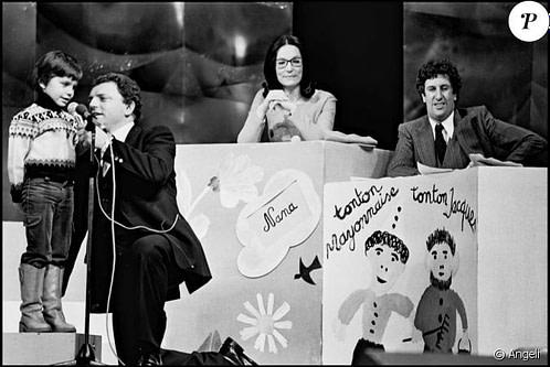 métier d'interprète, enfants avec micro et présentateurs, années 60