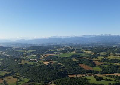 Vue des Pyrenées depuis une montgolfière